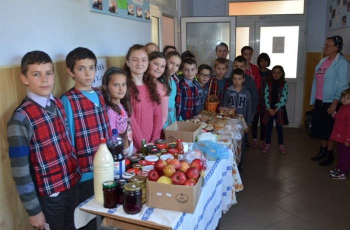 """""""Ziua Recoltei"""" cu miros de toamnă aurie, la Chiuieşti"""