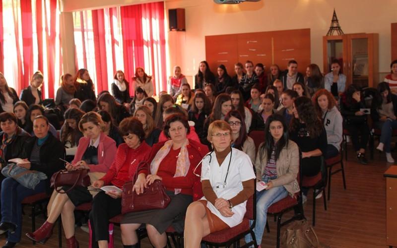 """""""Octombrie roz"""" la Liceul Tehnologic """"Constantin Brâncuşi"""""""