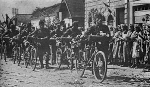 Armata_hortysta_intra_in_un_sat_din_transilvania