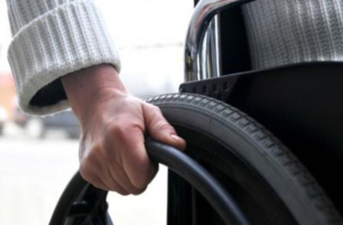 Părinții copiilor cu dizabilități și adulții cu dizabilități ies în stradă