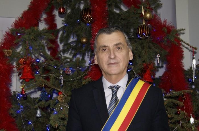 """""""Sărbători fericite și binecuvântate tuturor dejenilor"""", din partea primarului Costan Morar"""