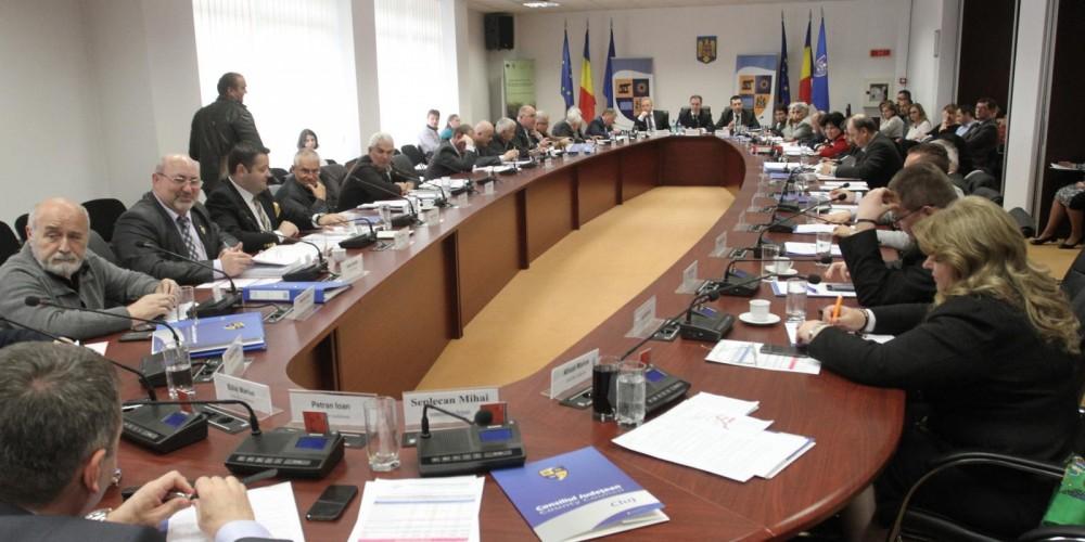 Doi dejeni propuşi, unul ales: Marius Mînzat, preşedinte al CJ Cluj