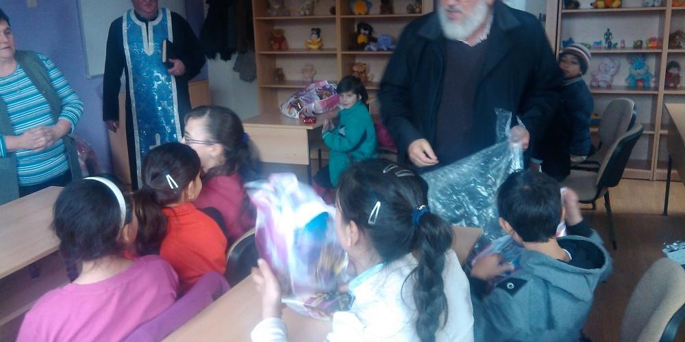 """Daruri pentru copiii de la Centrul de zi """"Familia şi copilul"""""""