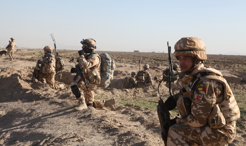 O rachetă a căzut într-o bază din Afganistan în care sunt militari români