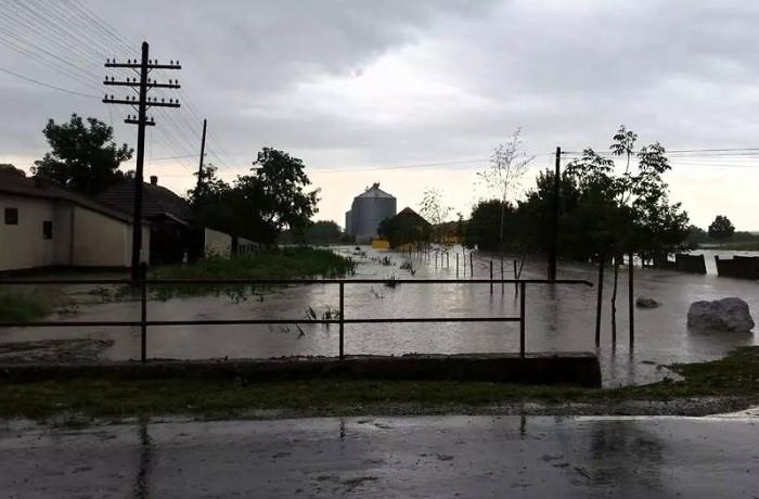 Noi atenționări Cod Galben și Cod Portocaliu de inundații