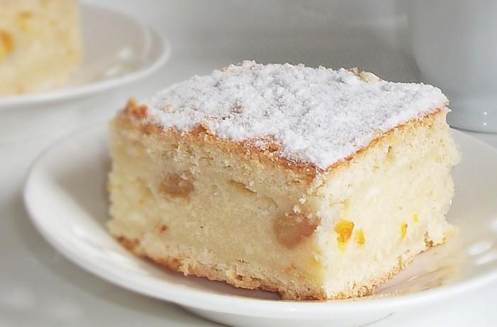 Prăjitură cu brânză dulce şi stafide