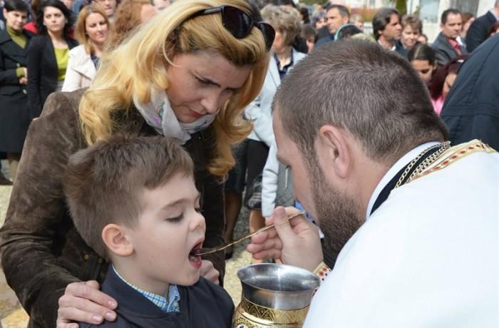 Catehizarea tinerilor, în atenţia preoţilor din Dej