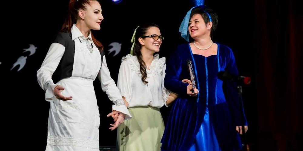 """""""PENTRU CĂ E PRIMĂVARĂ!"""", dejenii au fost prezenţi la Festivalul Şcolii Populare de Arte din Cluj-Napoca"""