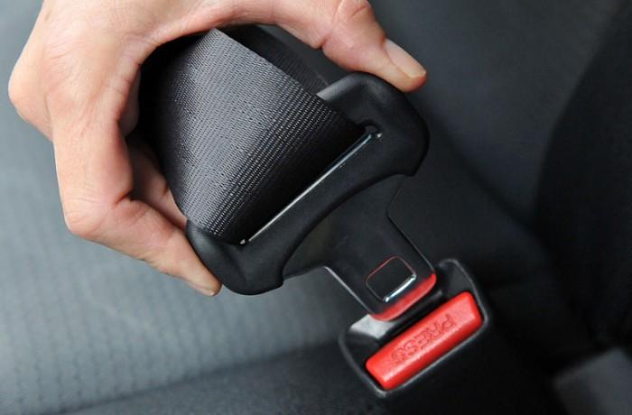 Amenzi aplicate conducătorilor auto care nu au folosit centura de siguranţă