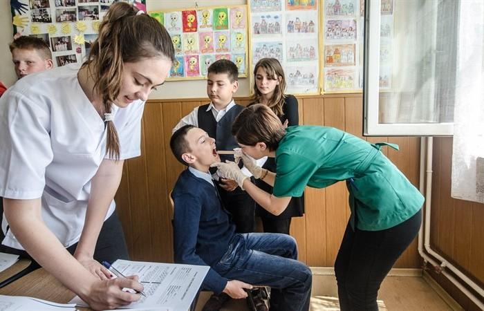 Rotary Club Dej vrea dinţi frumoşi, pentru copii sănătoşi!