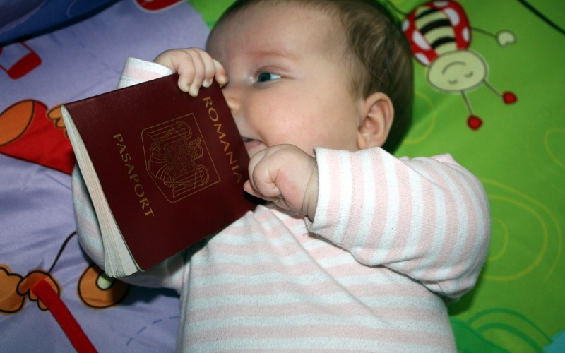 Copiii care nu sunt însoțiți de unul dintre părinţi vor putea ieşi mai ușor din ţară