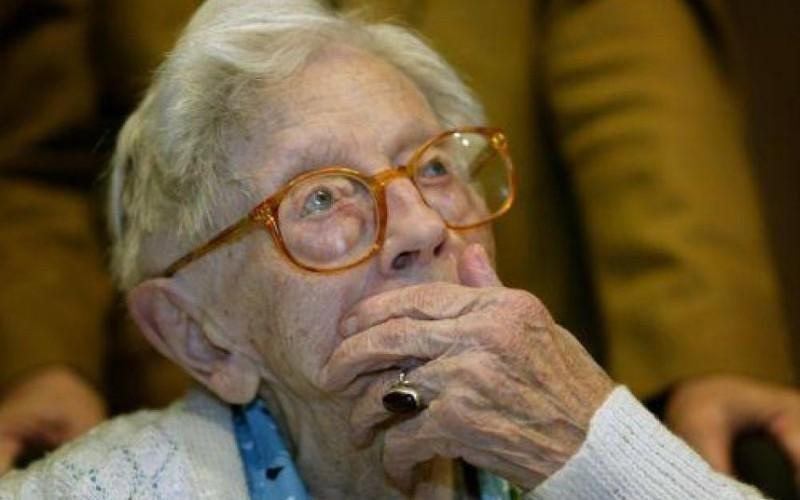 """Populația feminină este cu 3,1 ani mai """"îmbătrânită"""" decât cea masculină"""