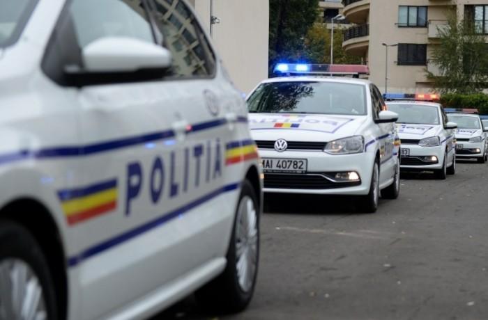 """Peste 300 de poliţişti din judeţ au fost """"detaşaţi"""" în weekend"""