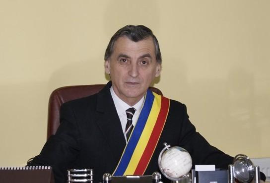 """"""" La mulți ani"""" polițiștilor dejeni, din partea primarului municipiului Dej"""