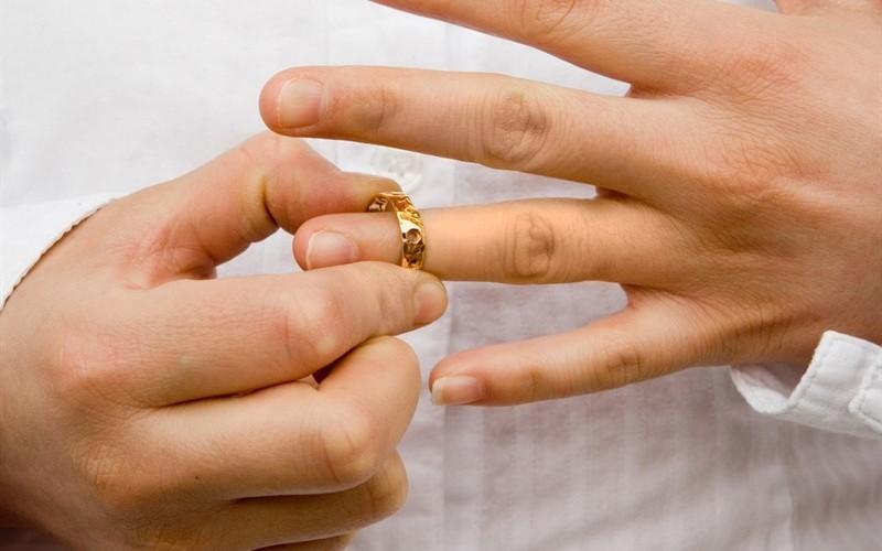 INS: A scăzut numărul naşterilor, dar a crescut cel al căsătoriilor şi divorţurilor!
