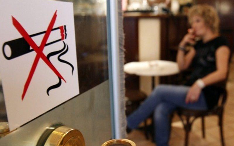 Peste 1.000 de avertismente de la intrarea în vigoare a legii antifumat