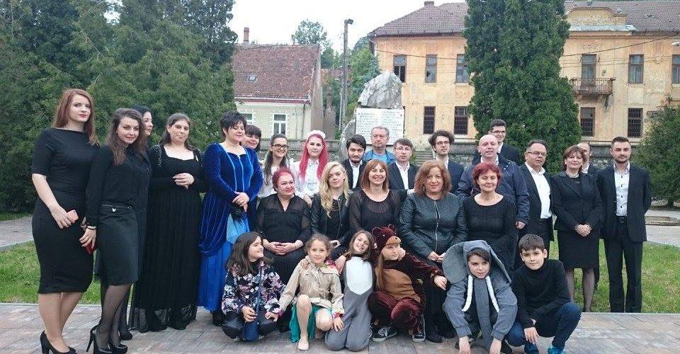 """Artiștii dejeni, în spectacol la Teatrul """"Mihai Eminescu"""" din Oraviţa"""