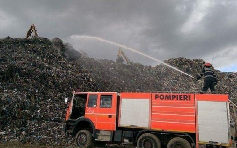 ISU Cluj: Intervenție pentru stingerea incendiului de la Pata-Rât