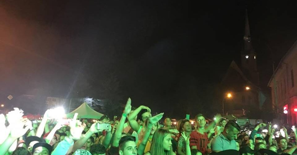 Zilele Municipiului Dej-Peste 15.000 de dejeni în Piața Bobâlna, sâmbătă seara