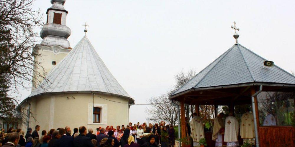 IPS Andrei Andreicuț va binecuvânta  lucrările realizate la biserica parohiei Ciceu Giurgești
