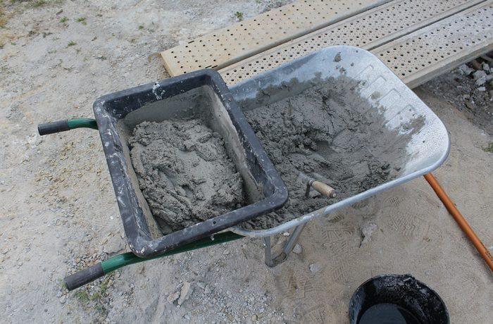 Guvernul vrea taxă pe ciment sau pietriș!