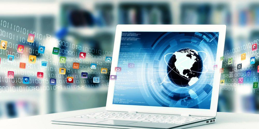 Scrierea de comentarii și mesaje, activitatea favorită a românilor pe internet