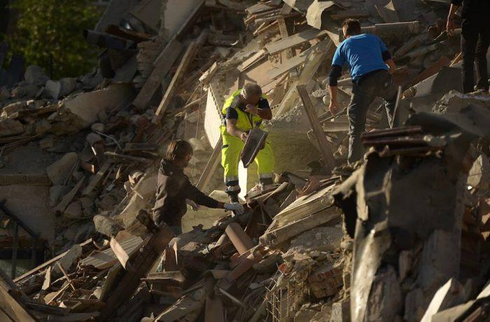 Doliu național în memoria românilor decedați în seismul din Italia