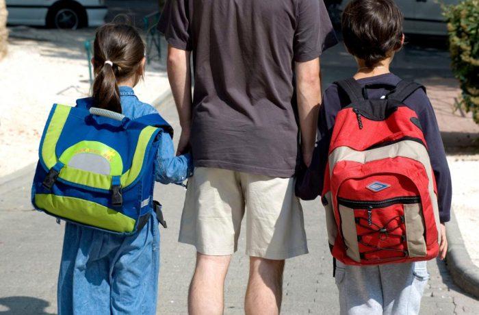 Copiii fără acte vor putea fi înscriși în școli și grădinițe