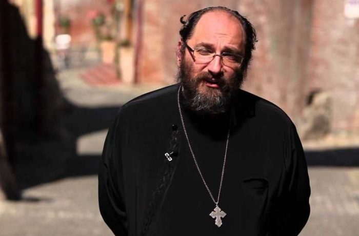 Părintele dr. Constantin Necula, conferențiază la Dej