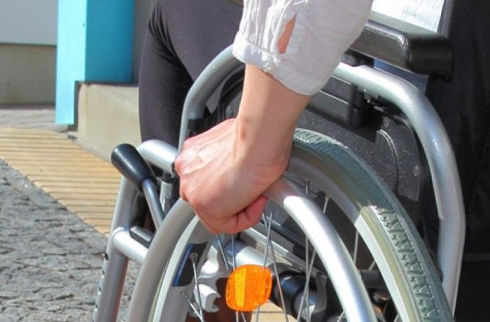 Program pentru persoanele cu dizabilități, lansat în dezbatere