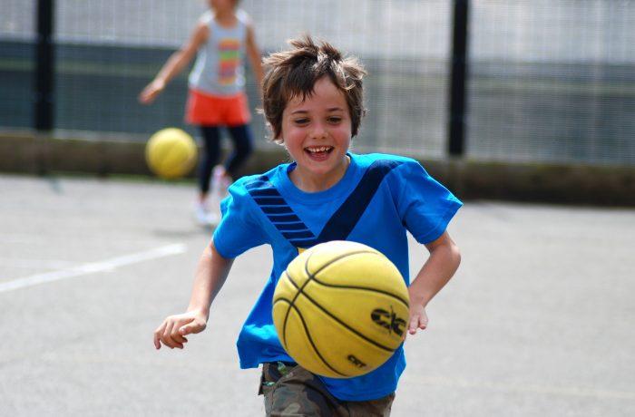 Măsuri pentru încurajarea copiilor să practice sport, adoptate de Guvern
