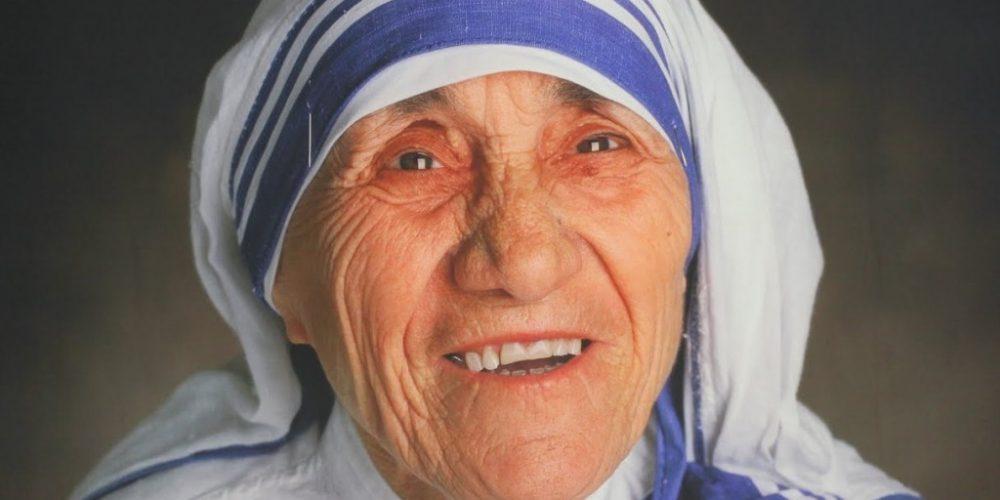 Maica Tereza va fi sanctificată, astăzi