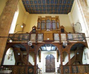 biserica-reformata-dej-interior