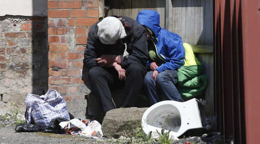 Aberație românească: persoanele fără venituri, obligate să plătească 70 lei lunar contribuții pentru sănătate