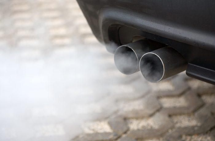 Timbrul de mediu ar putea fi înlocuit cu taxă pe combustibil şi impozitare în funcţie de poluare