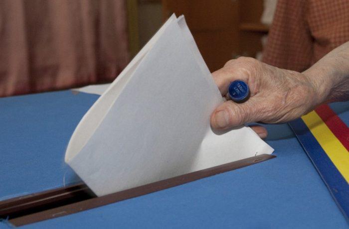 Formularele de vot au plecat spre secţiile din străinătate