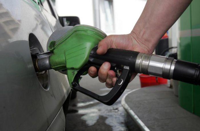 La sfârşit de an, se scumpesc benzina şi motorina