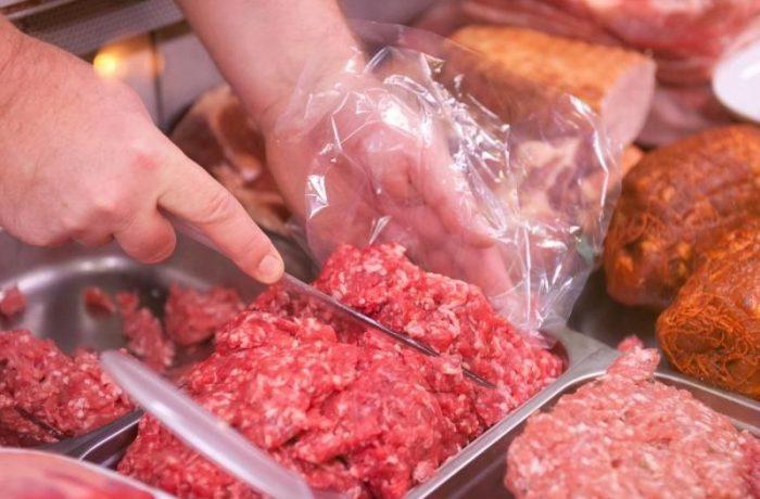 Bacteria E-Coli, descoperită în 69 de produse din carne din 24 de judeţe, inclusiv Cluj