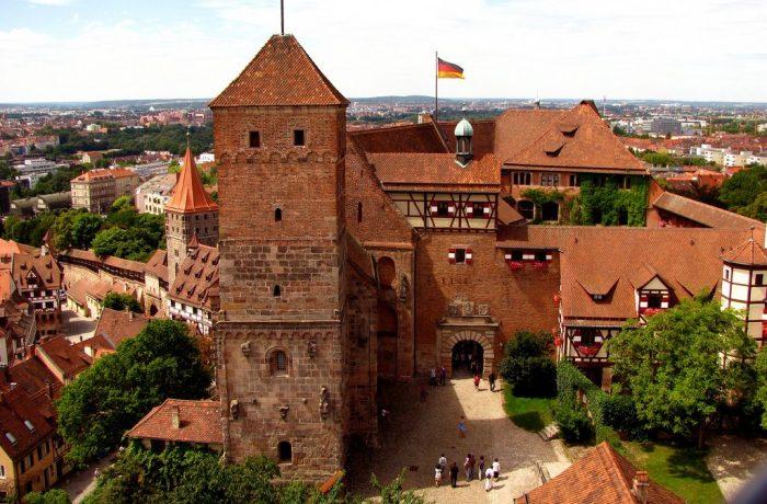 """Nürnberg – Orașul """"muzeu"""" al jucăriilor și paradelor naziste"""