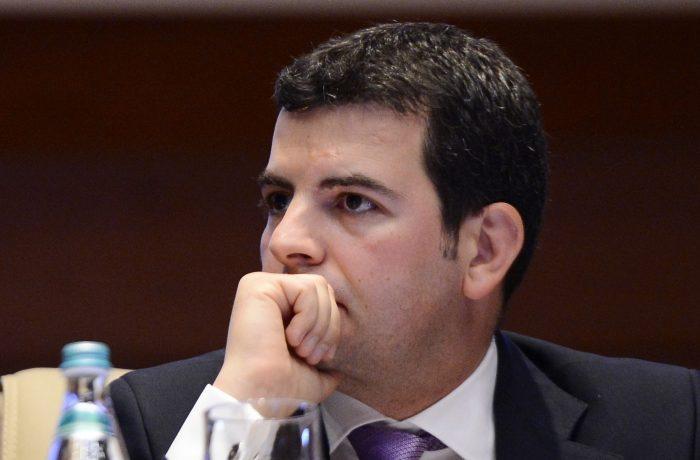Vicepremierul Constantin a rămas fără sprijinul ALDE