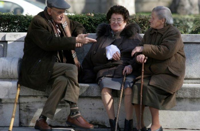 Raportul dintre pensionari și salariați, aproape de paritate
