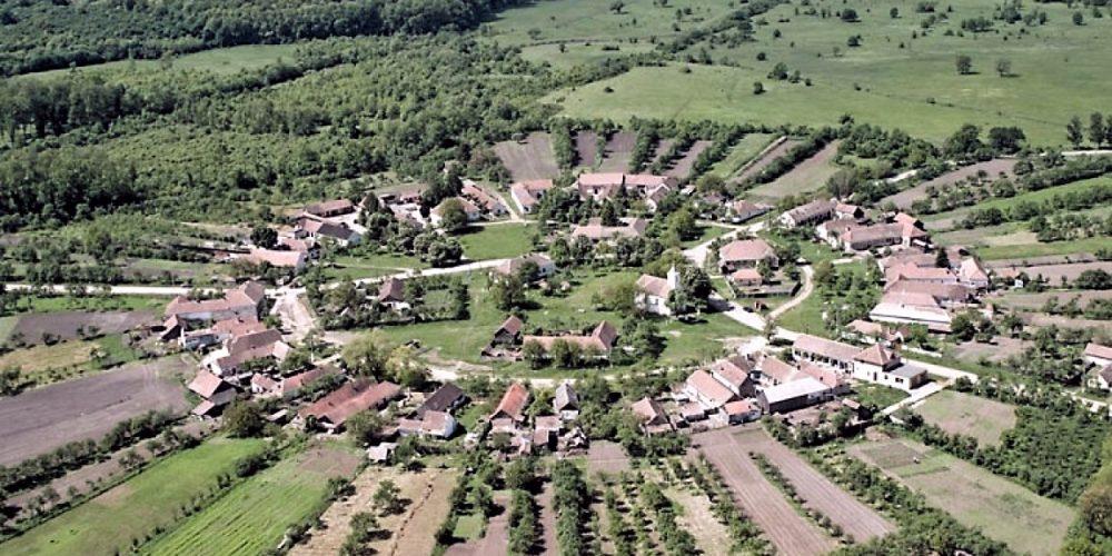 De văzut:  Charlottenburg, singurul sat rotund din România