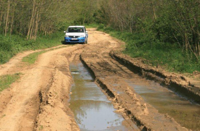Avem 4,2% autostrăzi, restul sunt drumuri pietruite şi de pământ