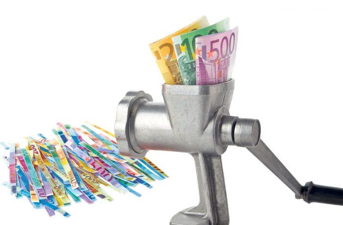 După ce au mărit salariile în administrație, consiliile județene cer bani de la Guvern