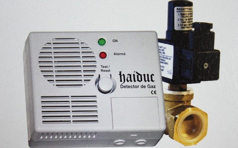 Detectorul de gaz, obligatoriu în bucătăriile cu geamuri termopan!