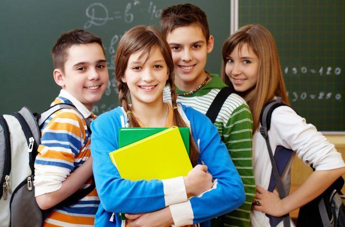 Peste 97.200 de elevi  încep astăzi un nou an școlar, în județul Cluj.