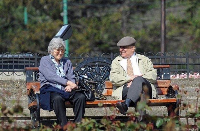 România înregistrează cel mai mare decalaj dintre pensia medie a femeilor şi a bărbaţilor din UE