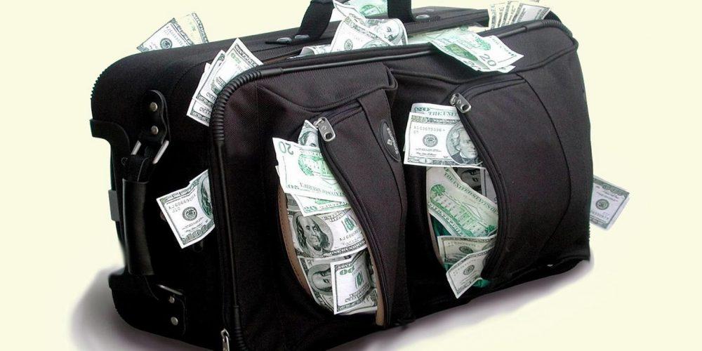 Angajații la STAT primesc două salarii minime, anual, pentru hrană!