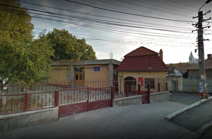 """Grădinița """"Arlechino"""" și Liceul Tehnologic """"Someș"""" din Dej, fără autorizații sanitare!"""