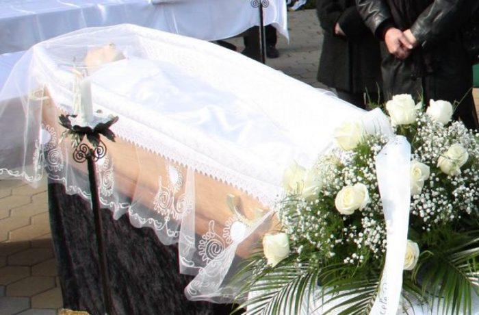 Guvernul schimbă tradiția înmormântărilor. Decedatul trebuie să fie dus la groapă în decurs de 36 de ore!